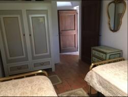 Bed 2 to door